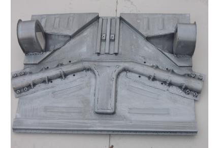 Podlaha pod přední ramena Tatra 603